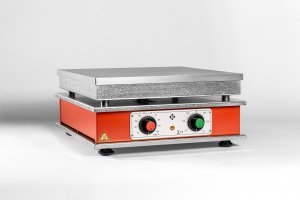 Harry Gestigkeit HT 01, Eloxidised Aluminium Alloy Hotplates,   30..110°C Temperature Range, 1150W, 300x300mm